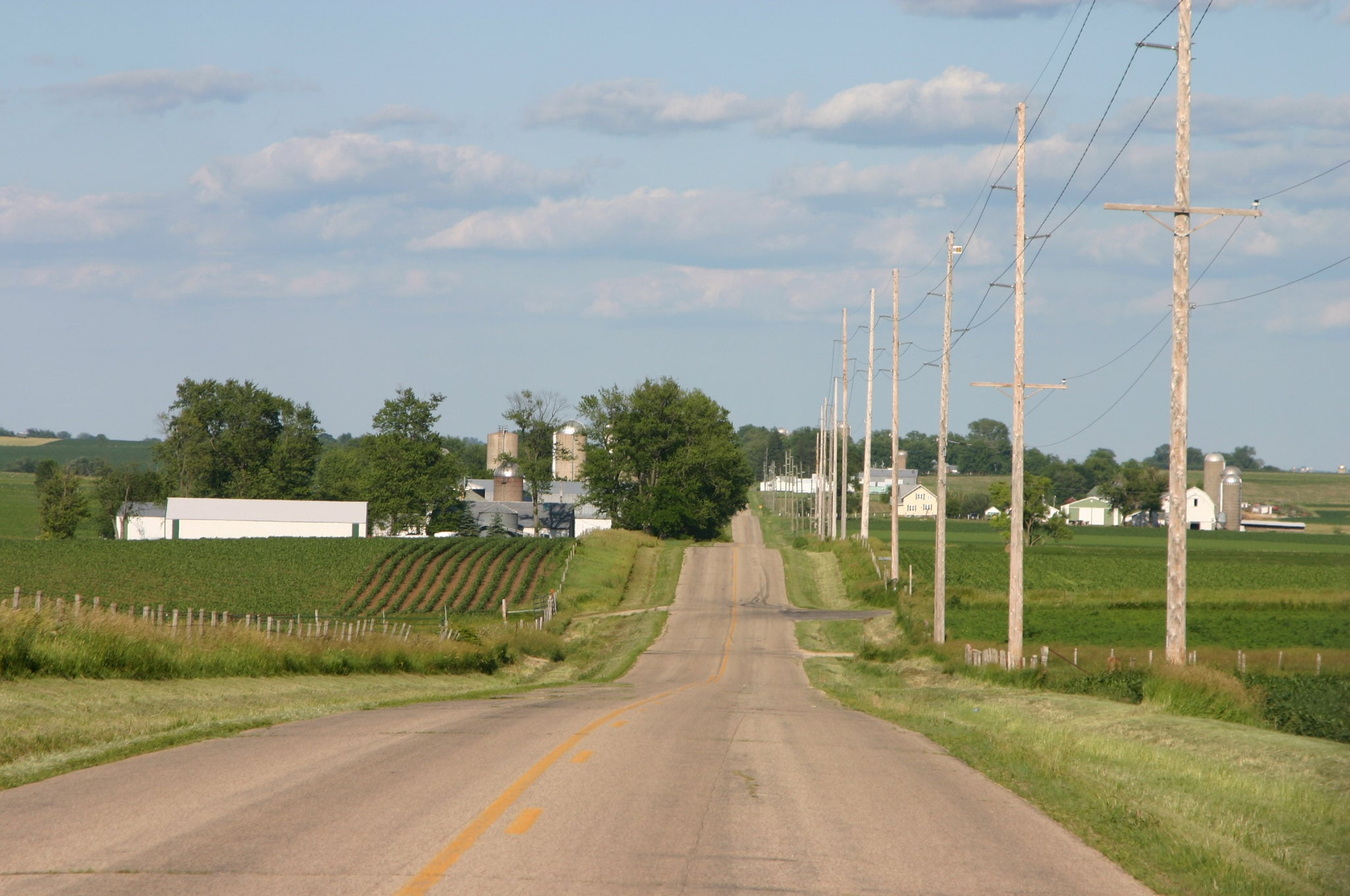 Iowa Co farms on road