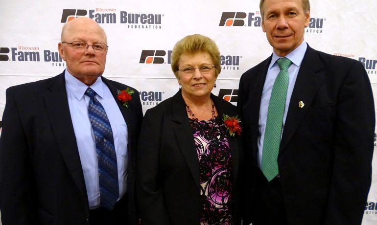 Loren Wolfe Receives 'Distinguished Service to Farm Bureau' Award