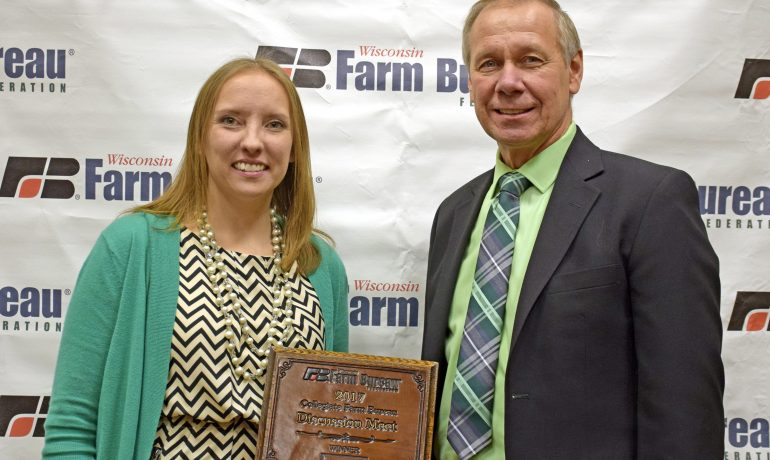 Manitowoc County Woman Wins Farm Bureau's Discussion Meet Contest